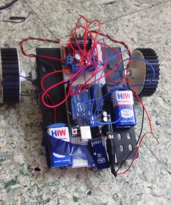 Build a Simple Robot Using a Arduino and L293 (H-Bridge)
