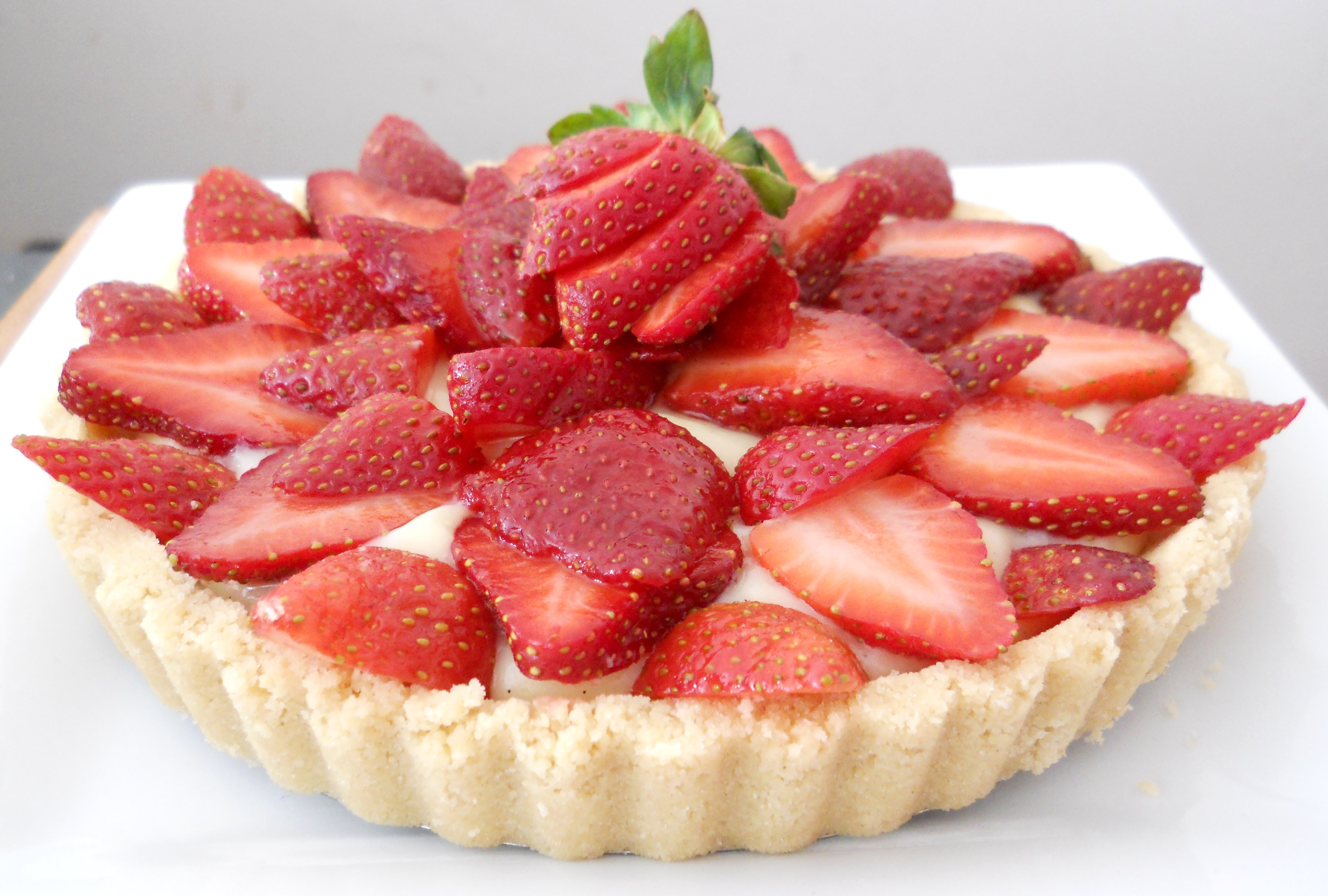 Strawberry Shortcake Tart (with microwave pastry cream!)