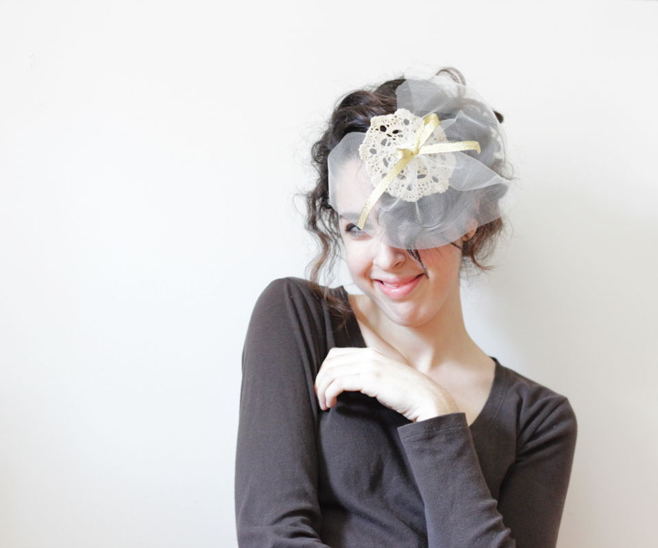 DIY Vintage Holiday Fascinator