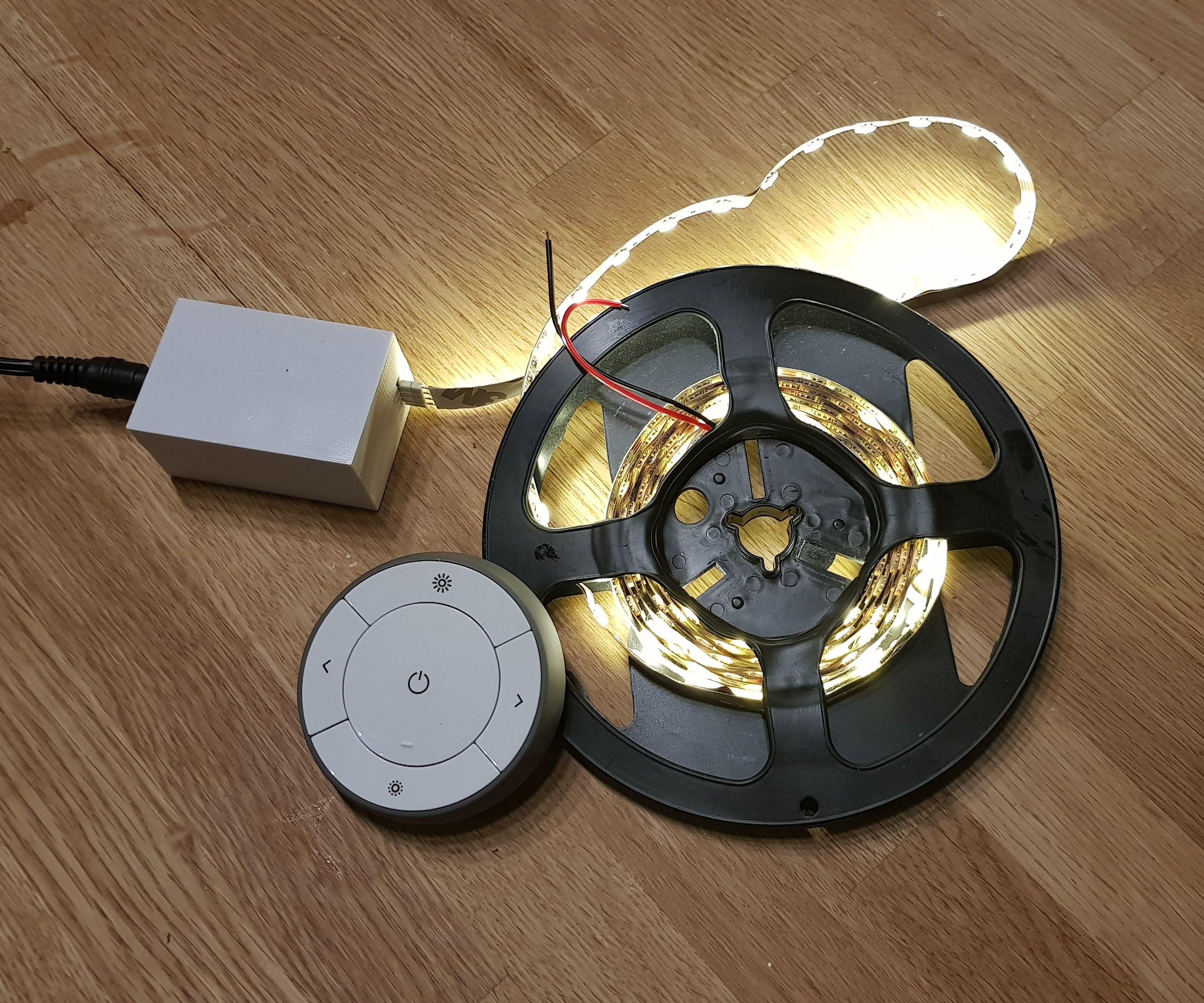 Zigbee LED Strip Dimmer (IKEA Hack)