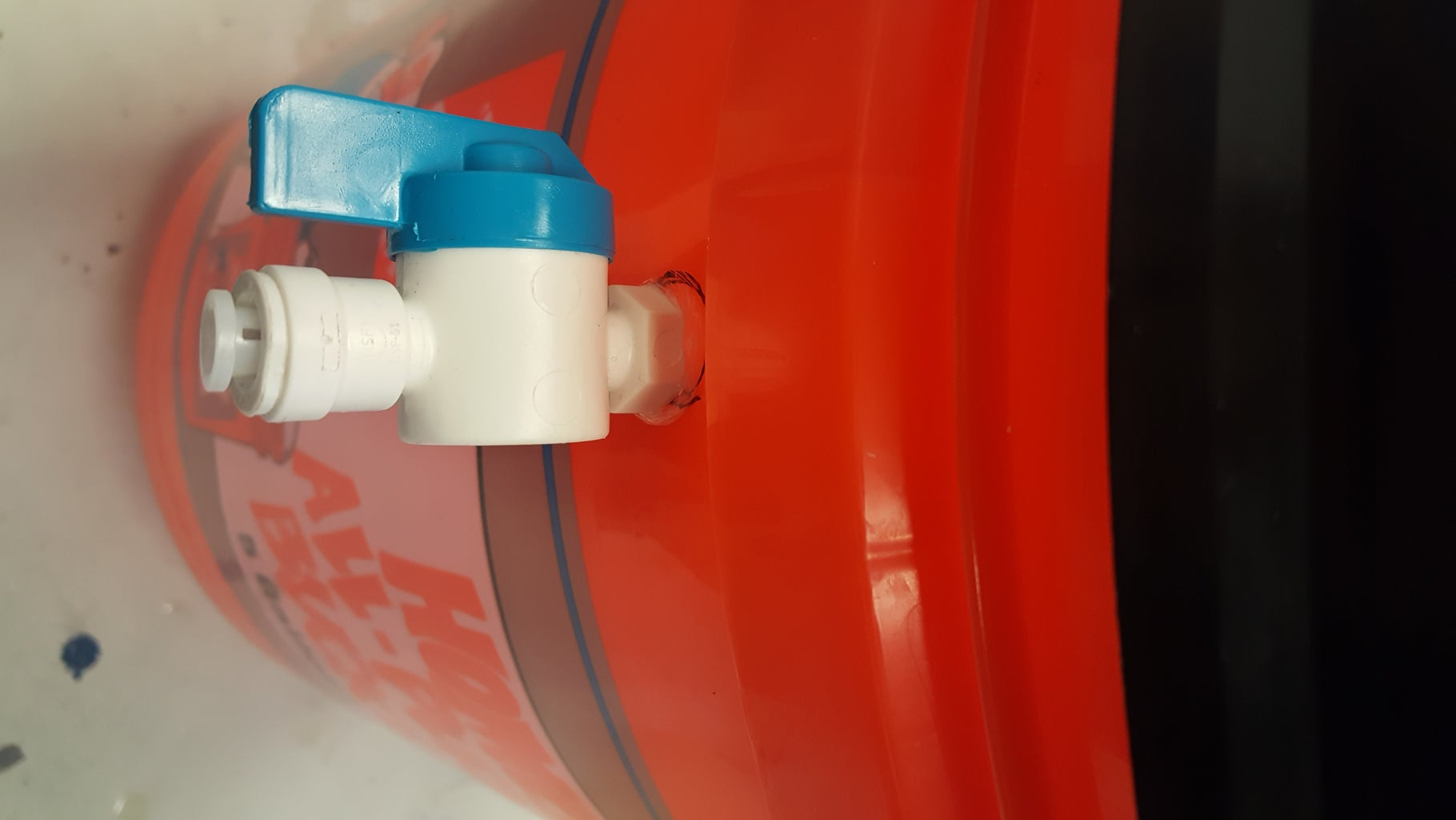 Waterproof Bucket: Valve