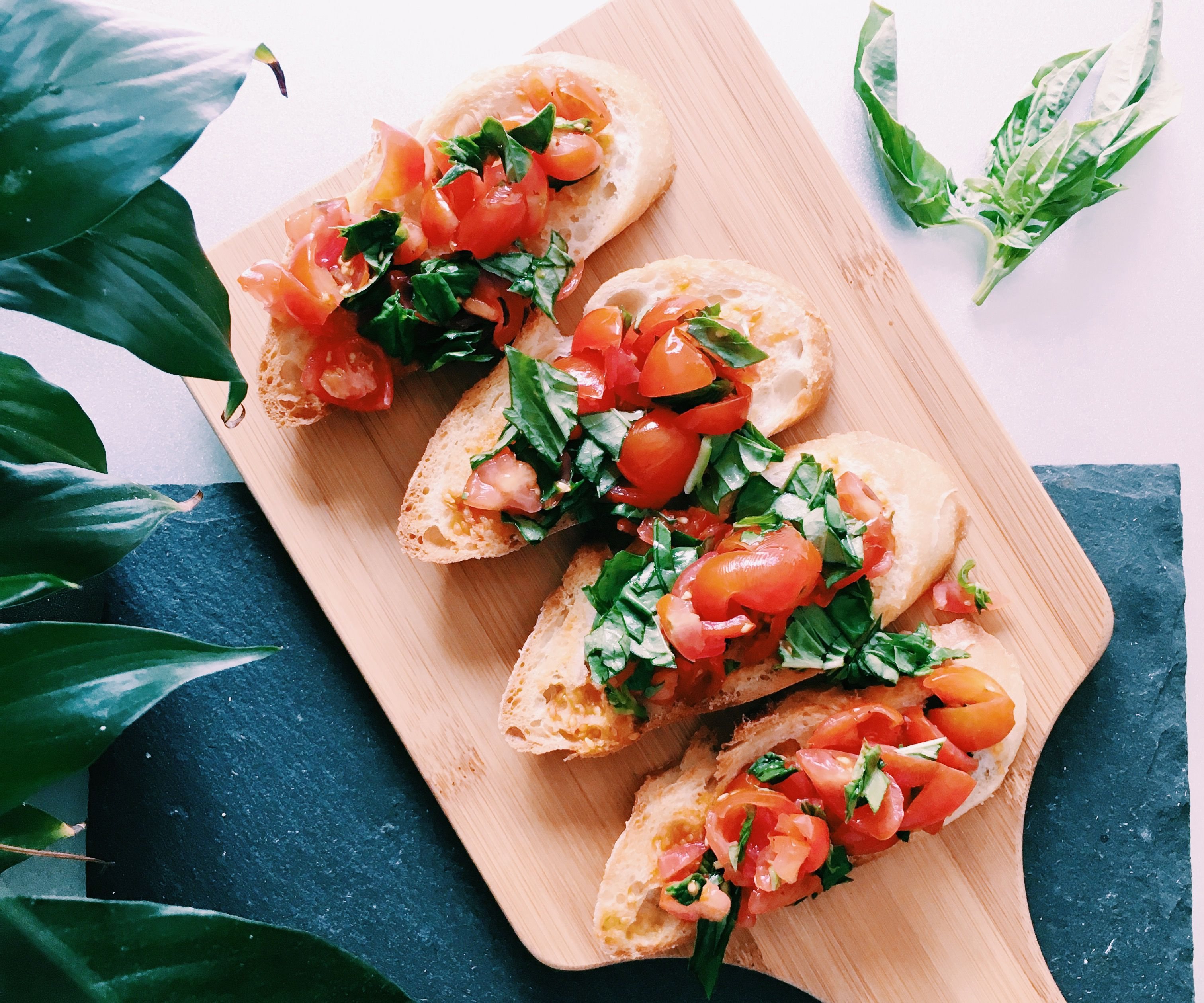 RECIPE | SIMPLE BRUSCHETTA