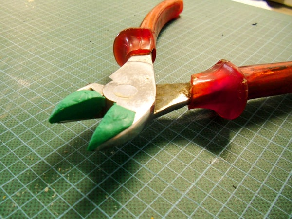 Wire Clippers With Sugru (unpub.v1)