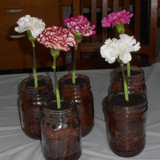 Edible Flower Cakes in Mason Jars