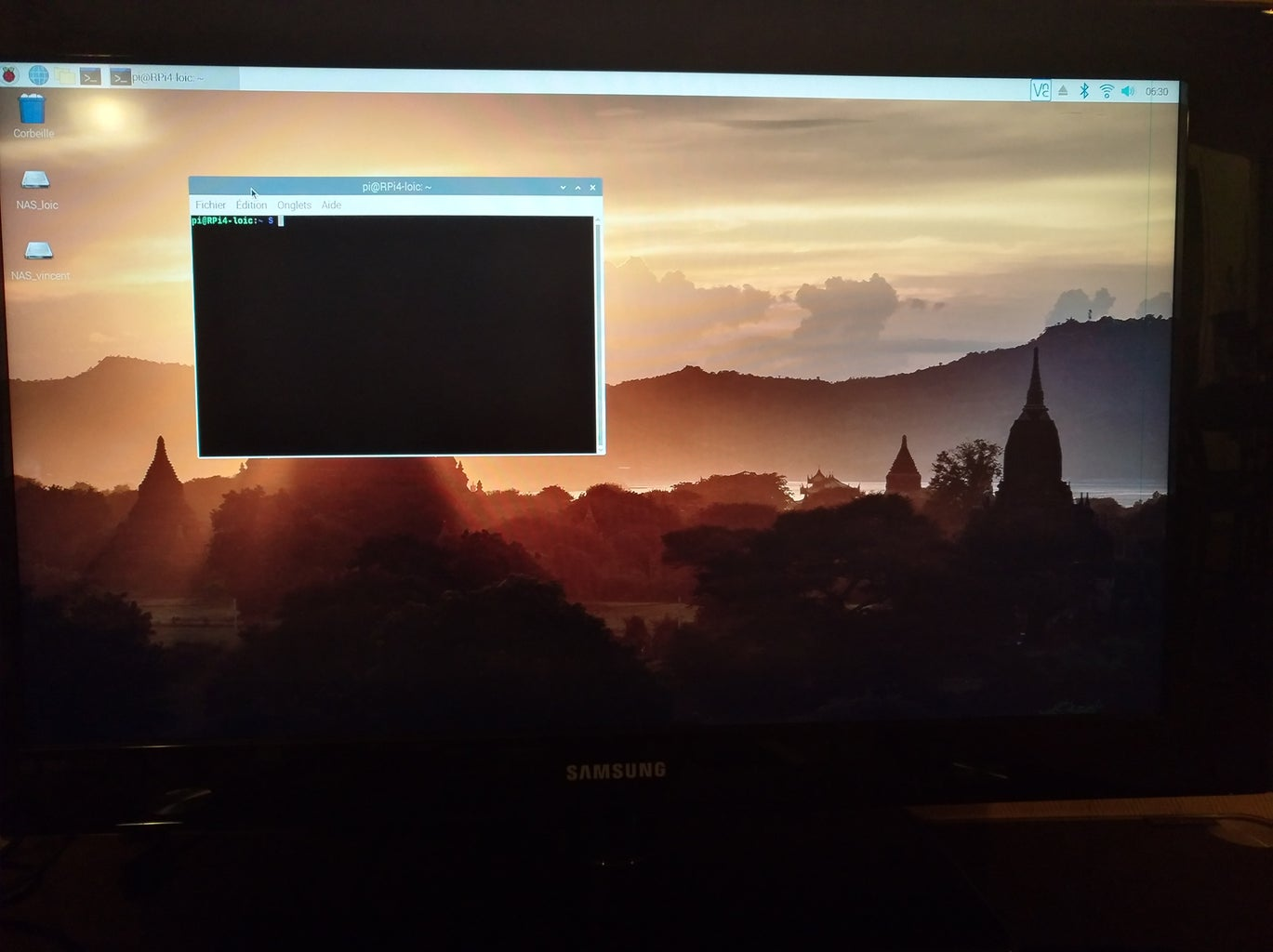 Way 1 : Connect to the Pi Using Screen, Keyboard, Mouse