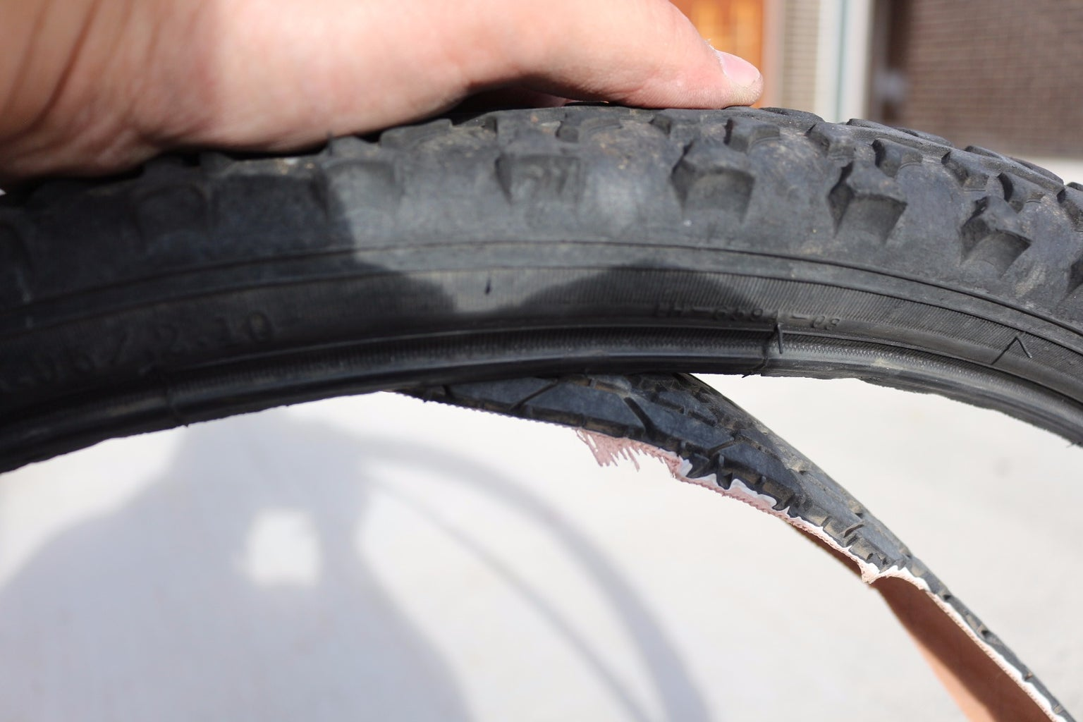 Inserting the Cut Tyre