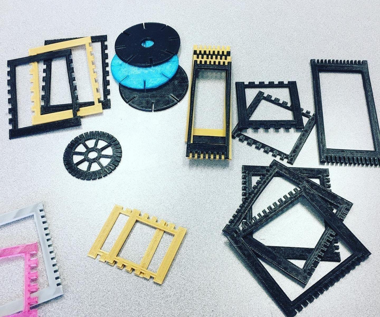 3D Printed Mini Looms