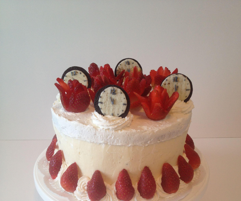 Strawberry Cream Cake (Happy New Year instructables.com!)