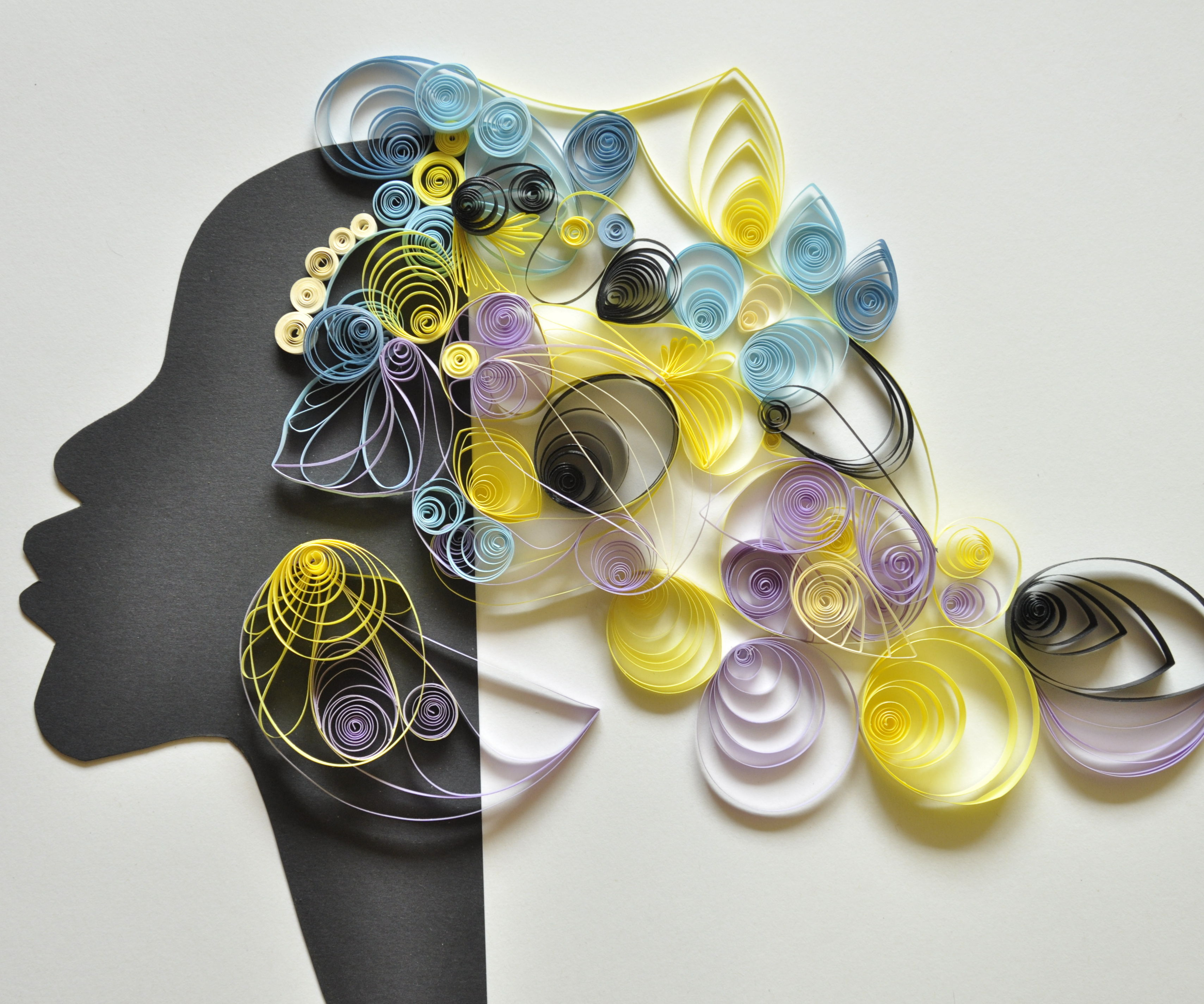 Flowering head_quilled paper decoration