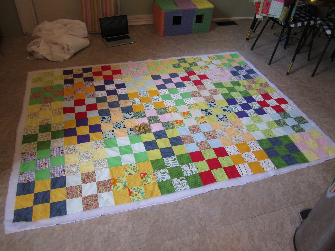 Quilt Sandwich - Pinning and Trimming.
