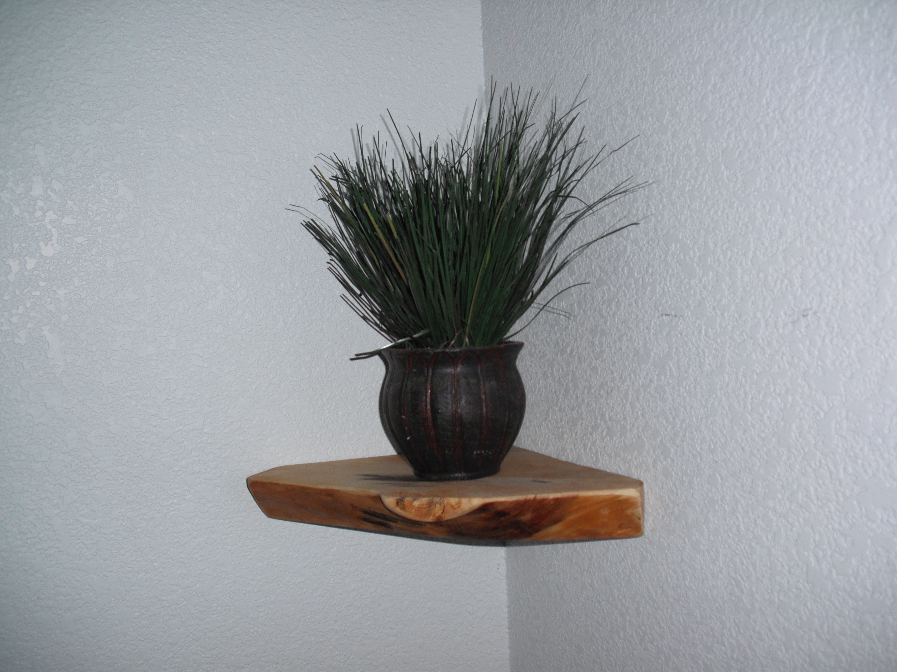 How to make a natural pine corner shelf in under 5 min.