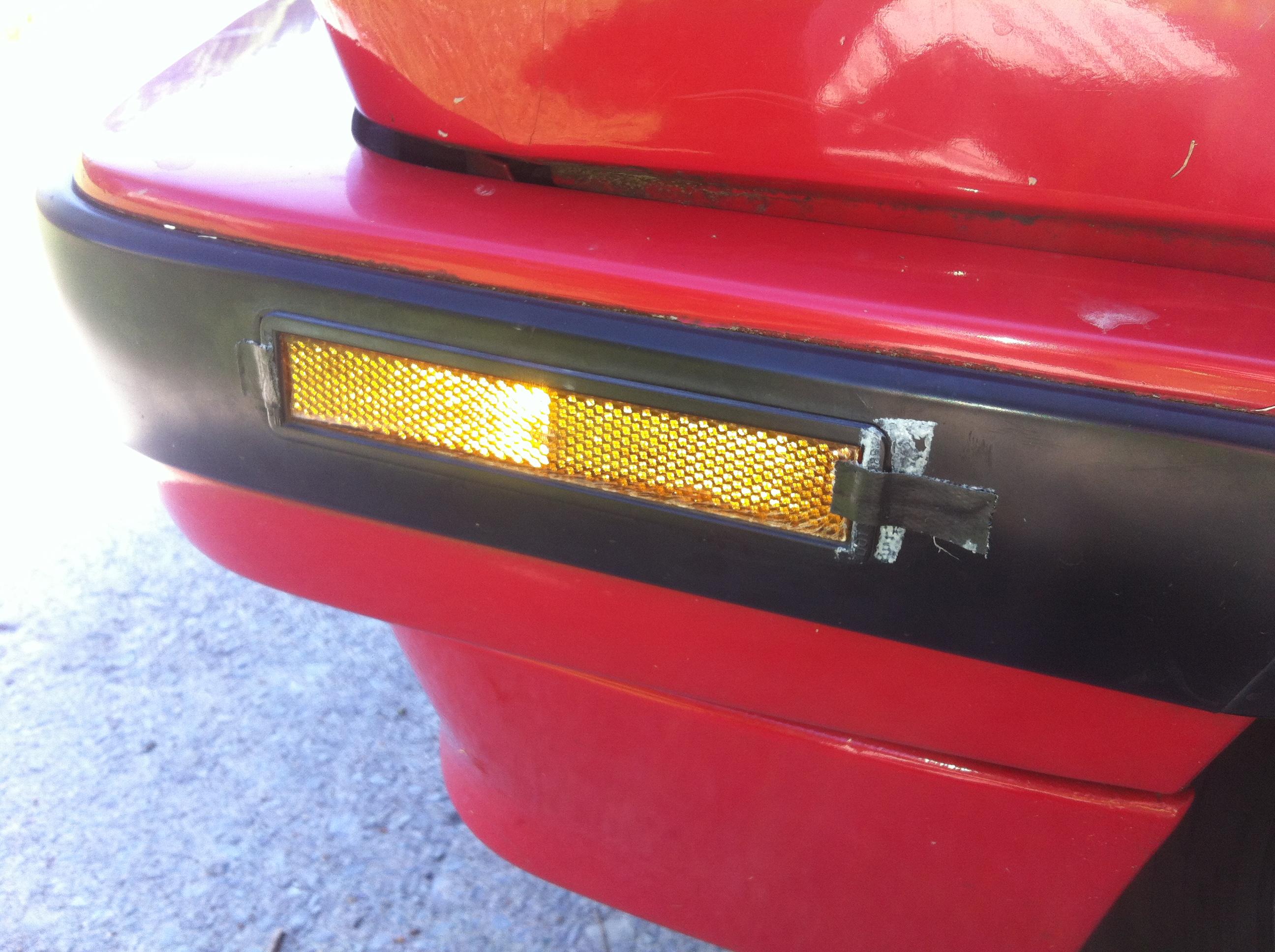 How I fixed my 1990 BMW marker light