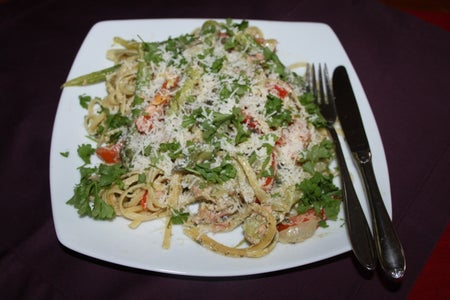 Smoked Salmon and Fettuccine in Red Capsicum Cream