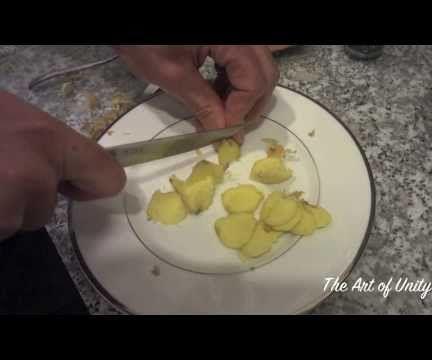 How to Make Ginger and Turmeric Tea