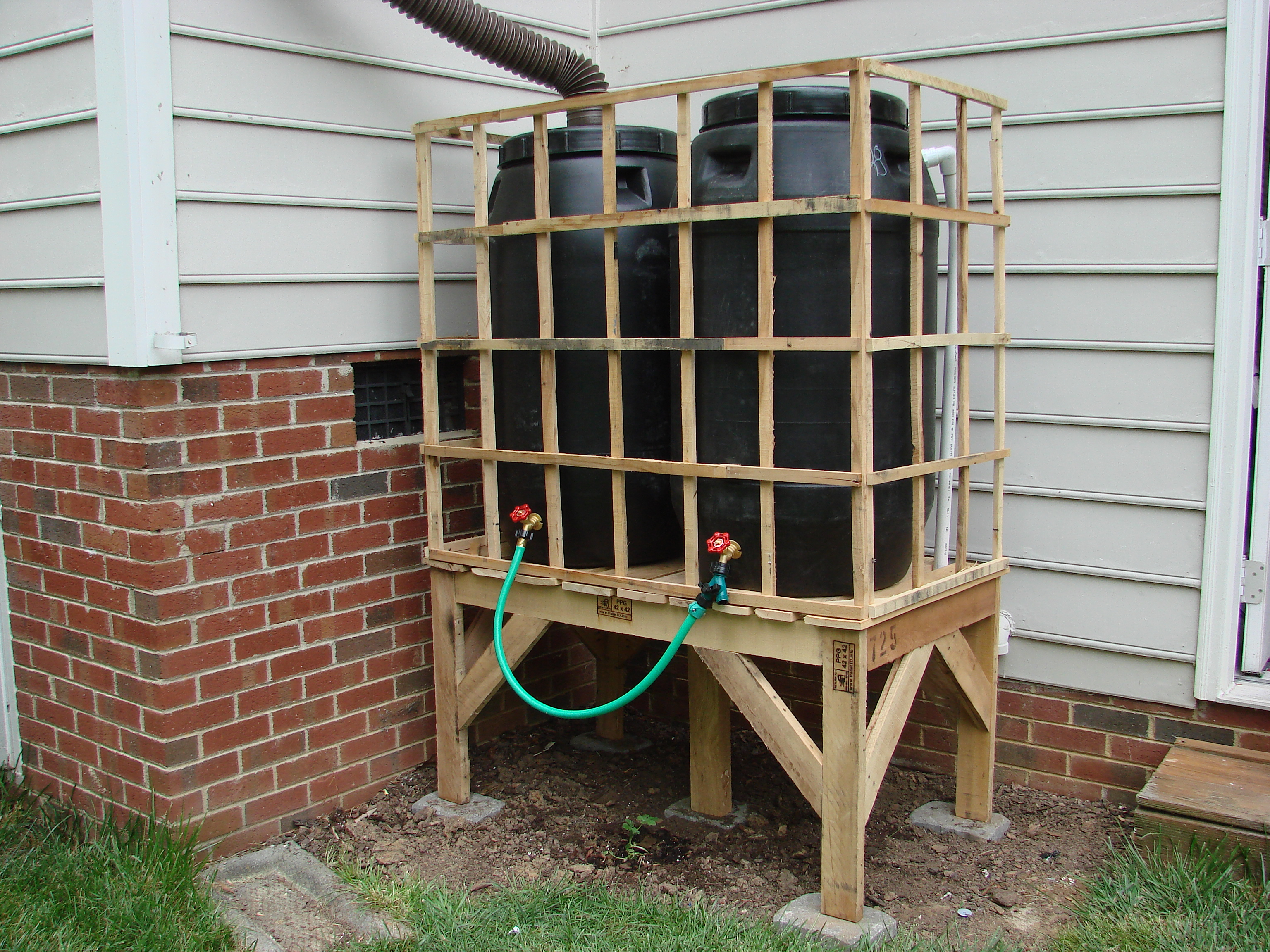 Recycled Pallet Rain Barrel Stand