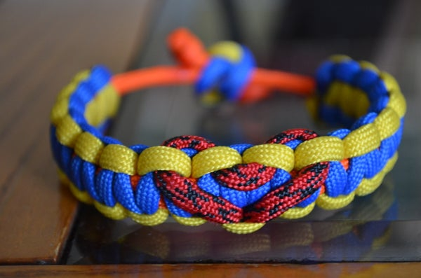 How-To Adjustable Paracord Bracelet