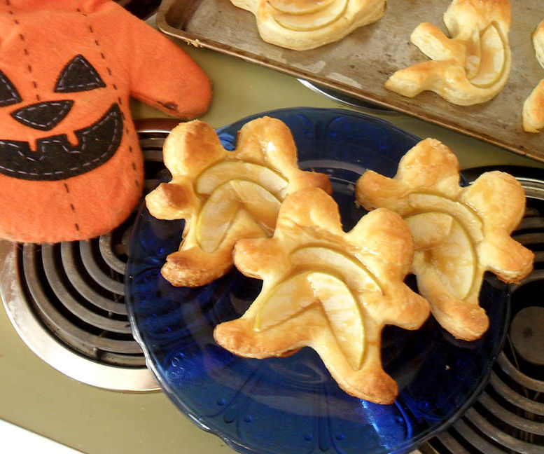 Caramel Apple Siamese Twin Tarts --AHS Inspired