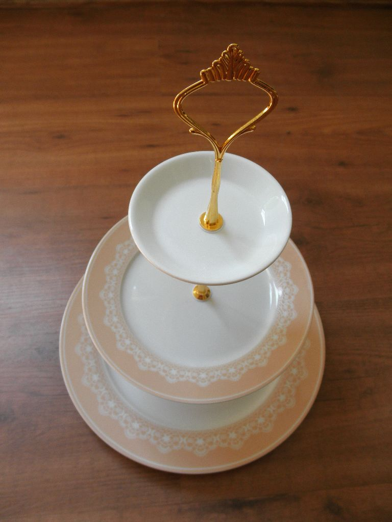 Cupcake plate stand