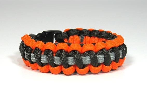 Cobra Strip Paracord Bracelet