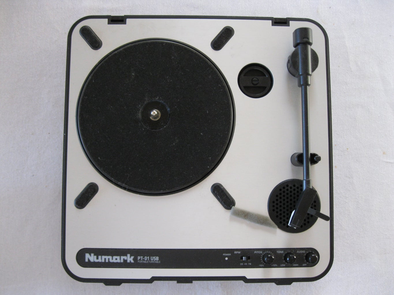Method 3: Dubbing With a Cassette Deck With Records As the Source