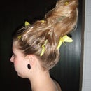 How to make a hairstyle with green foam moss