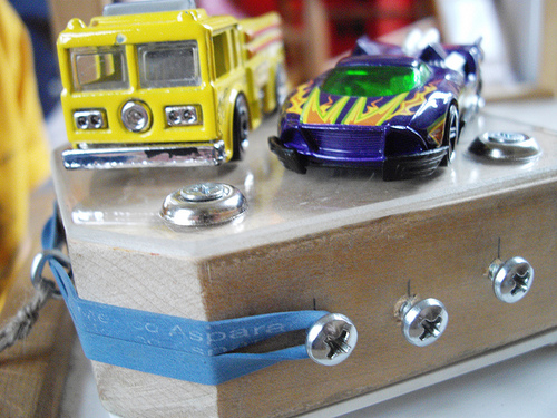 """Rubber Band Powered """"Hot Wheels"""" type Car Launcher"""