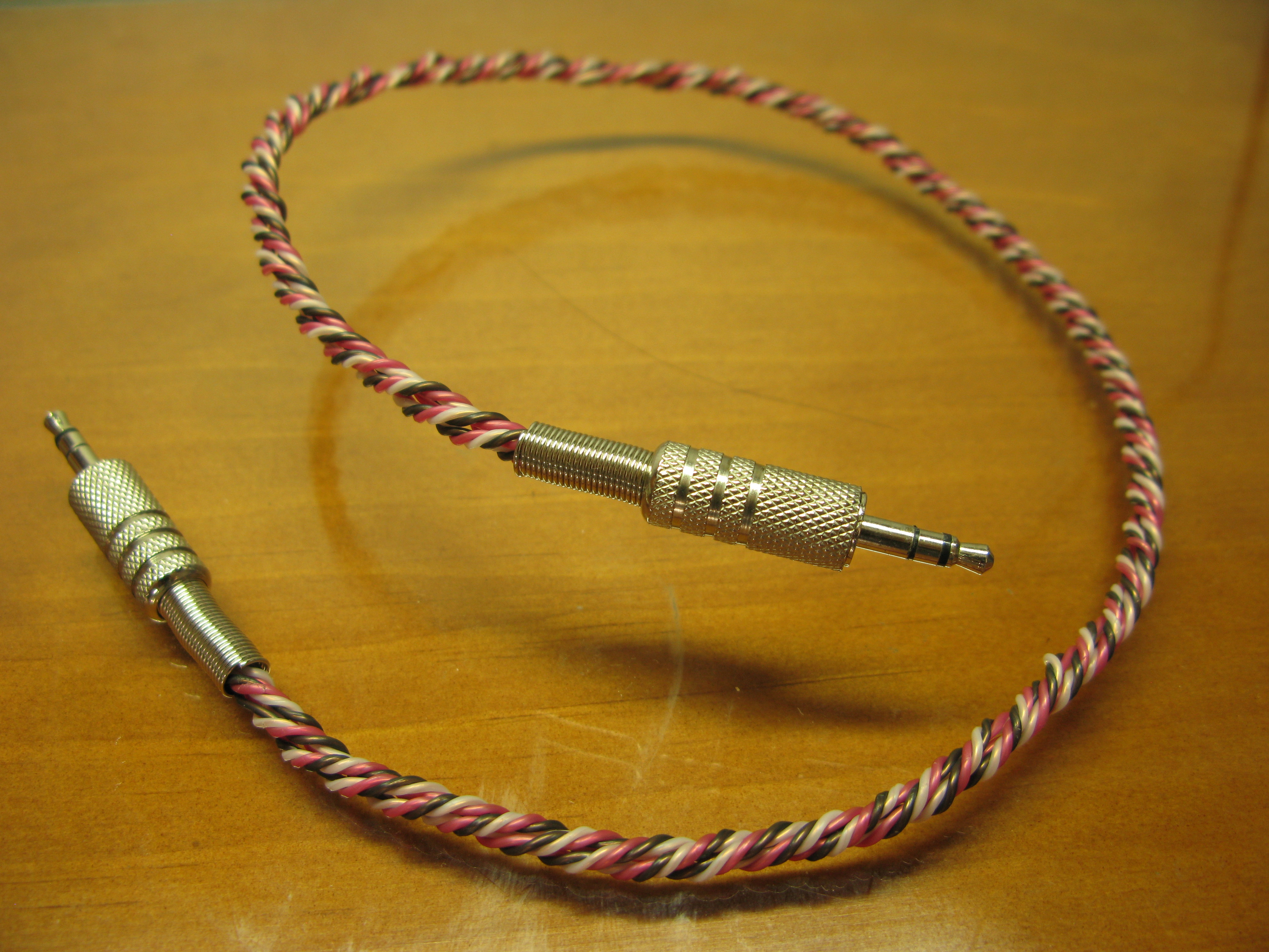 DIY Twisted Audio Cable (Made From Telephone Wires)