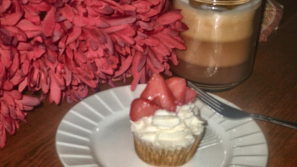 French Toast Cupcakes With Whipped Cream Frosting