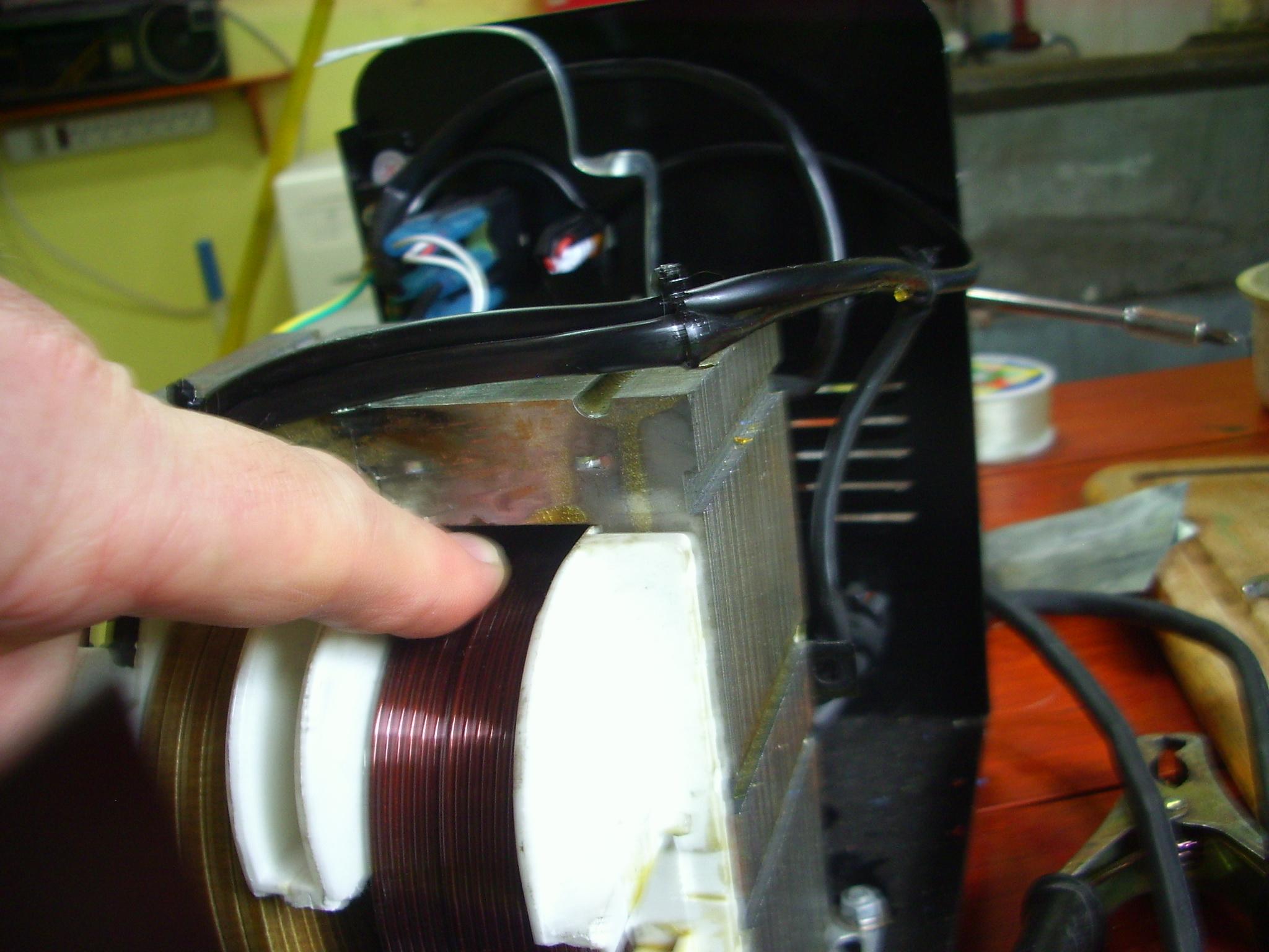 Hacking a welder (pirateando una soldadora)