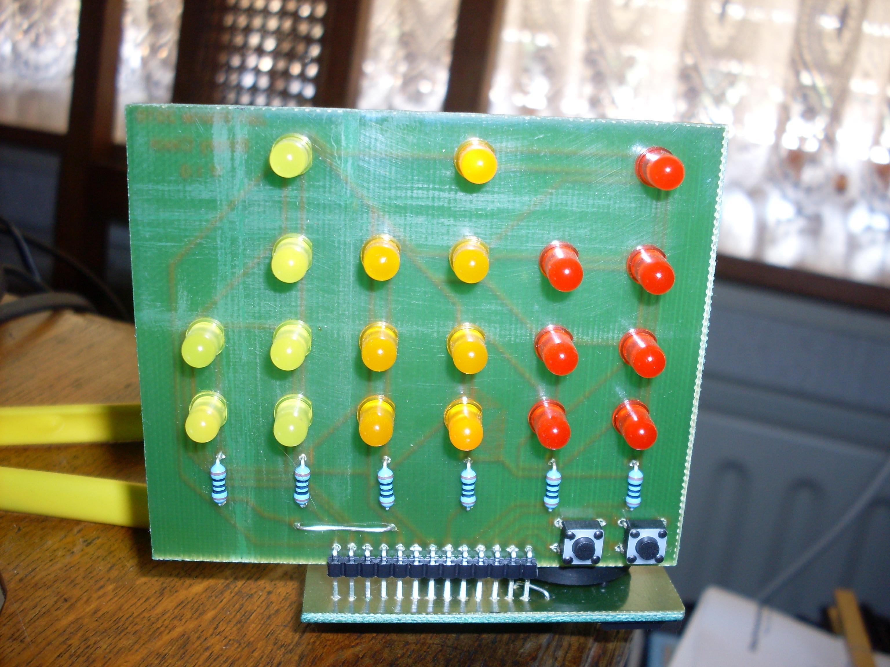 A simple USB-powered binary clock