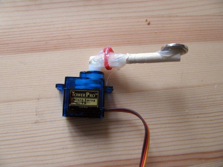 Set Up Servo Arm With Magnet