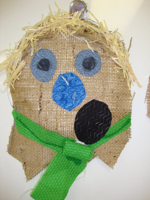 Scarecrow Head Decoration: Elementary School Art Project
