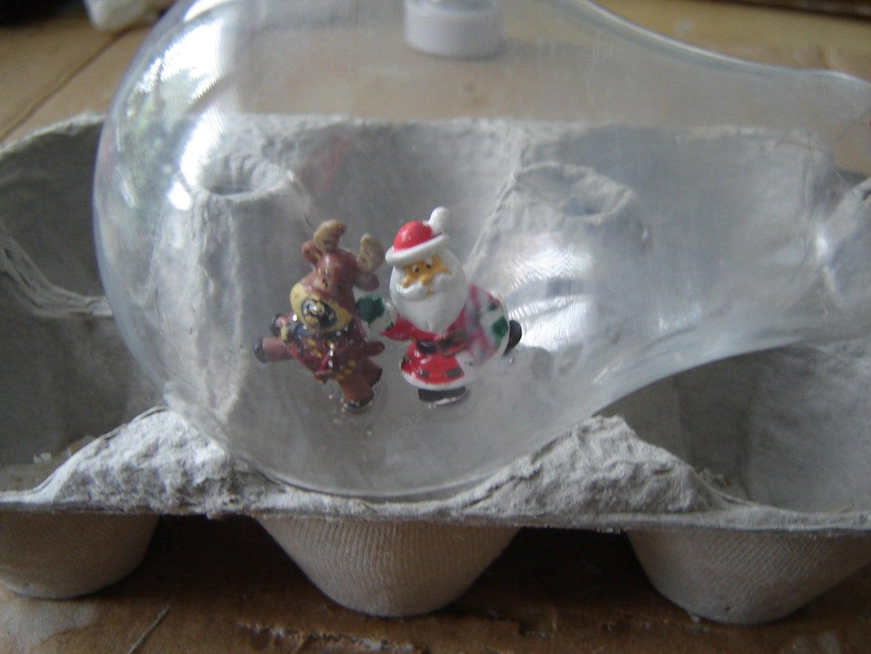 Santa and Reindeer -Lightbulb on Side
