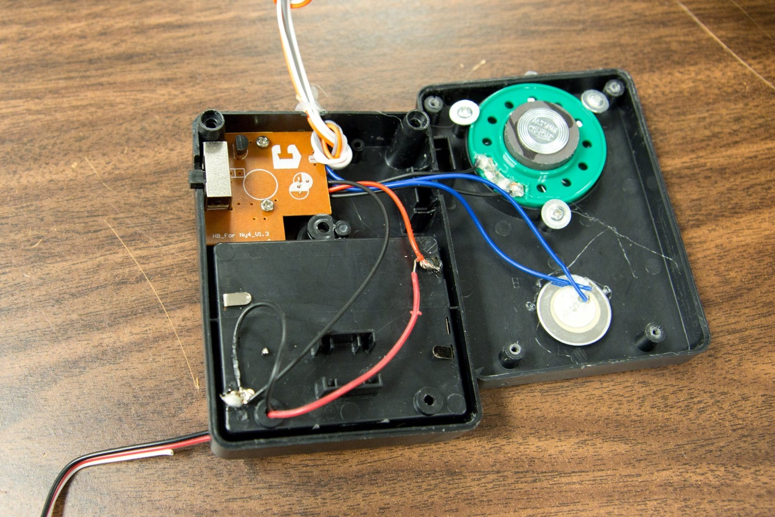 Wiring a RobotGeek Relay to Directly Power a Prop