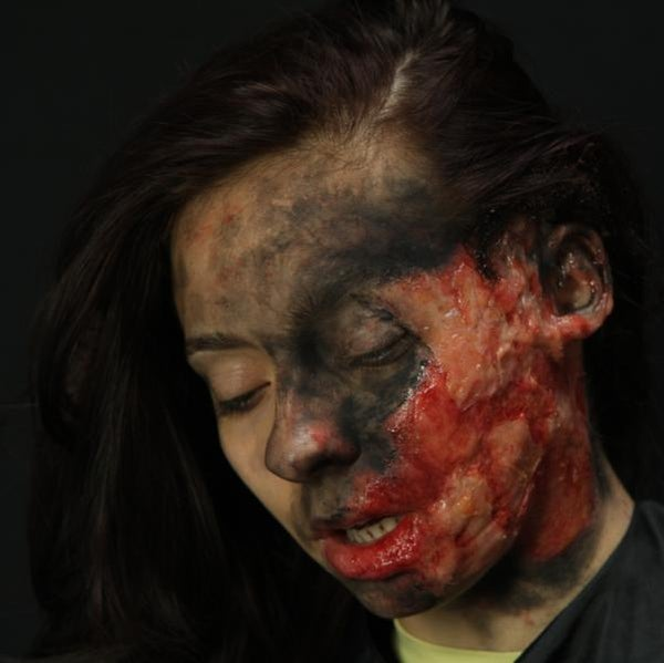 Create a REALISTIC BURN Using Makeup