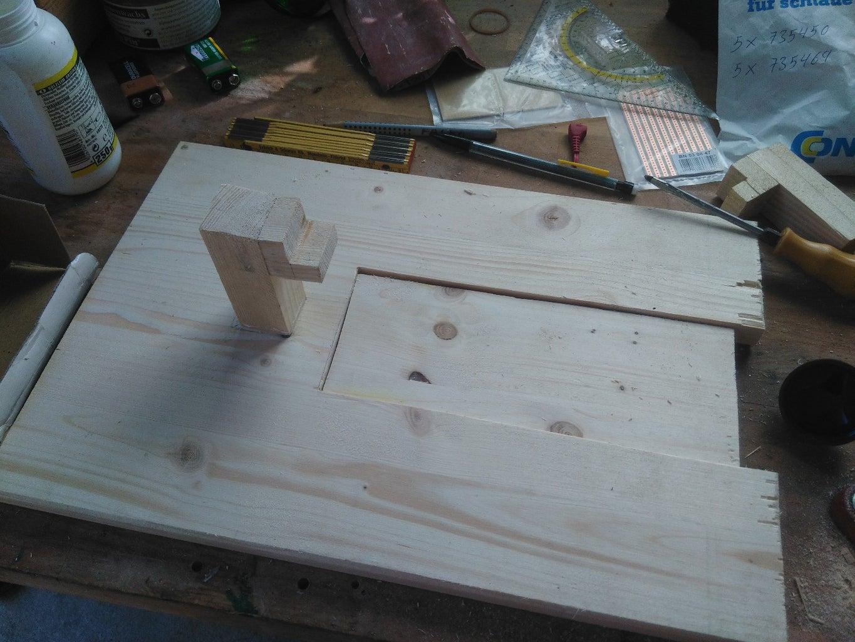 Building the Platform (2/2) - Assembling the Soldering Station Platform