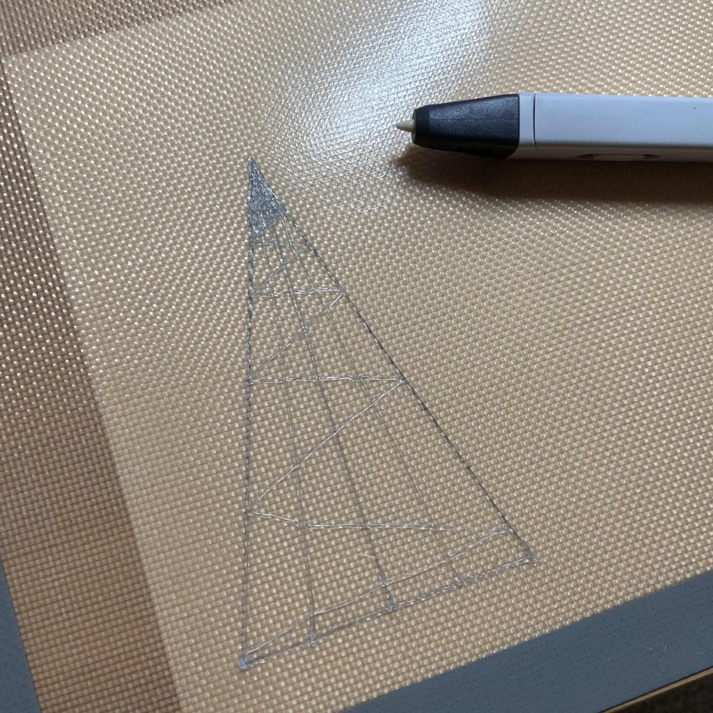 Draw the Triangular Sides With 3D Pen