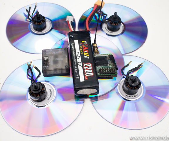 Flying DVD's Quadcopter DIY
