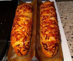 French Bread With Roasted Garlic and Mozzarella