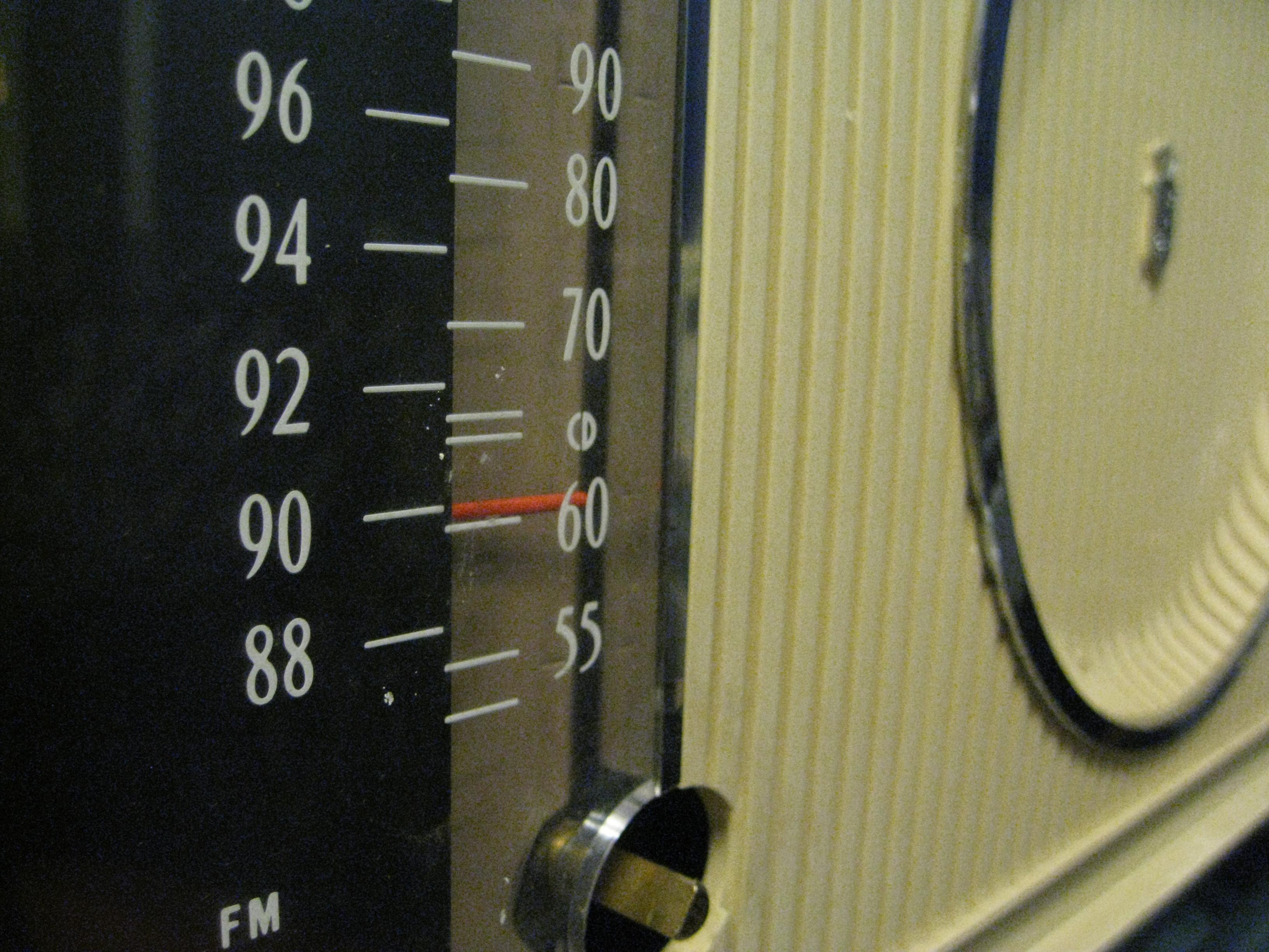 Fix a vintage radio tuner string
