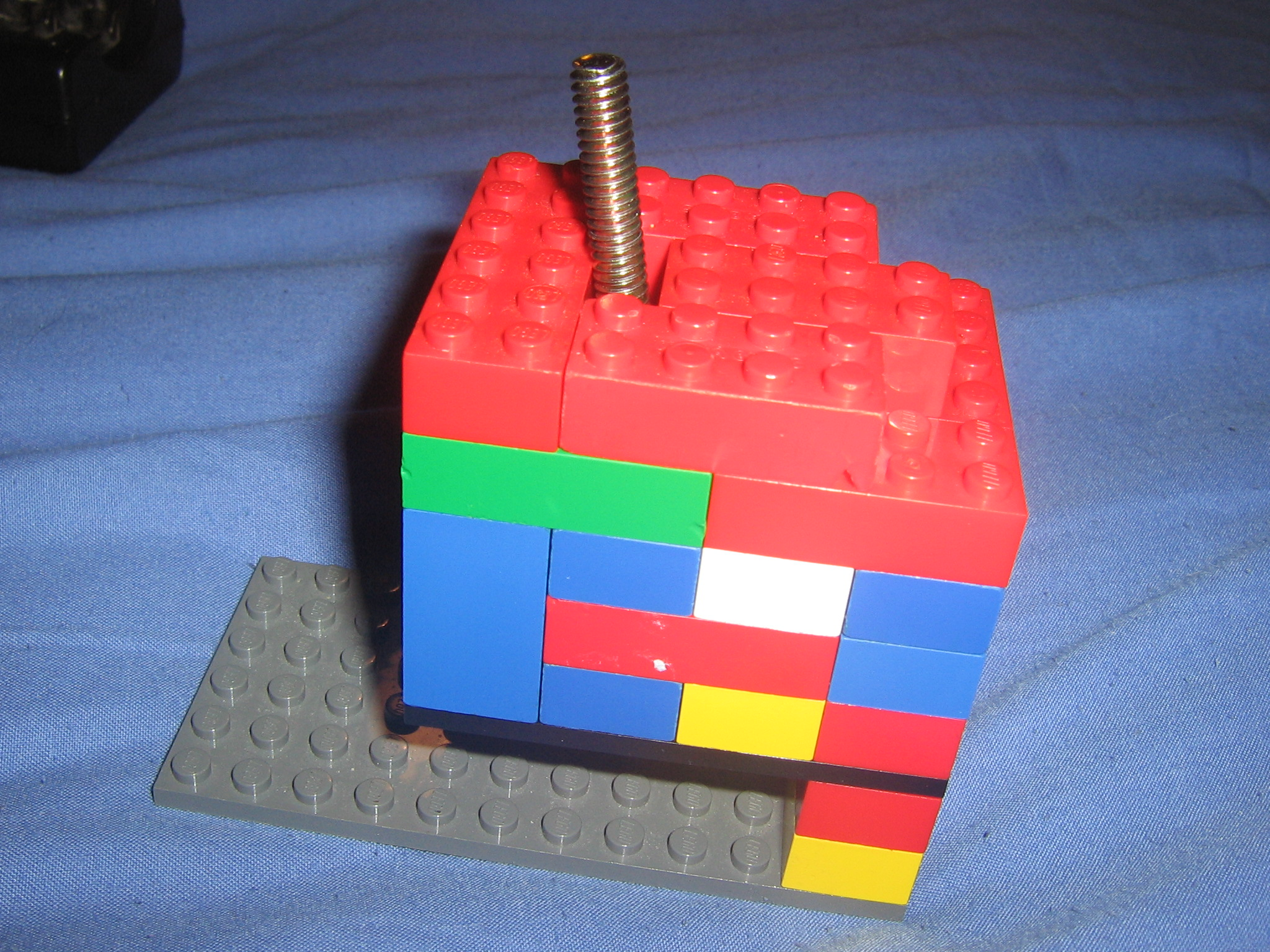 How to make a LEGO desk tripod