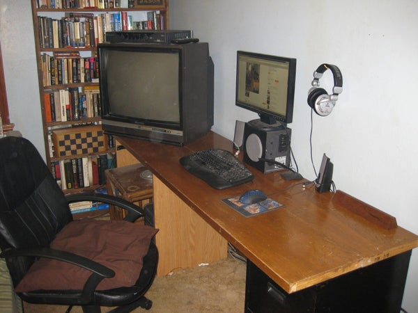 Low-Budget Desk/TV Stand/Workbench