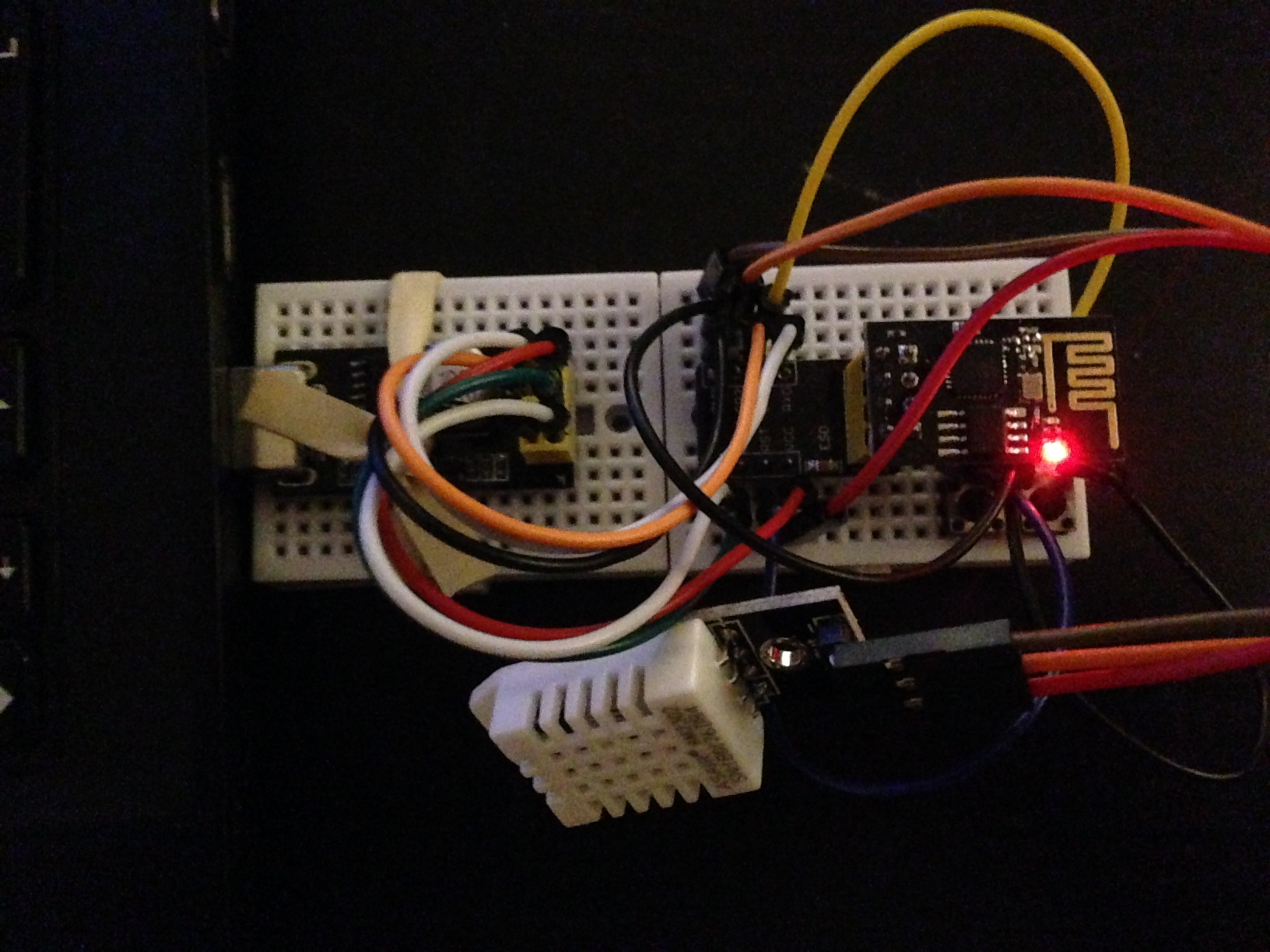 Temperature & Humidity Monitoring Using the ESP-01 & DHT and the AskSensors Cloud