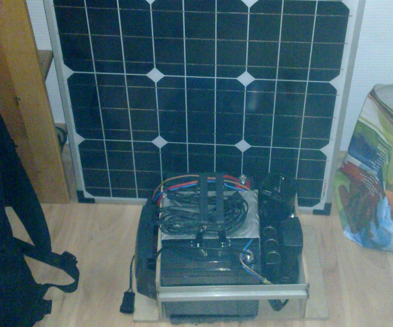Off grid battery box