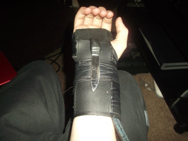 How to Make a Small Hidden Wrist Blade.