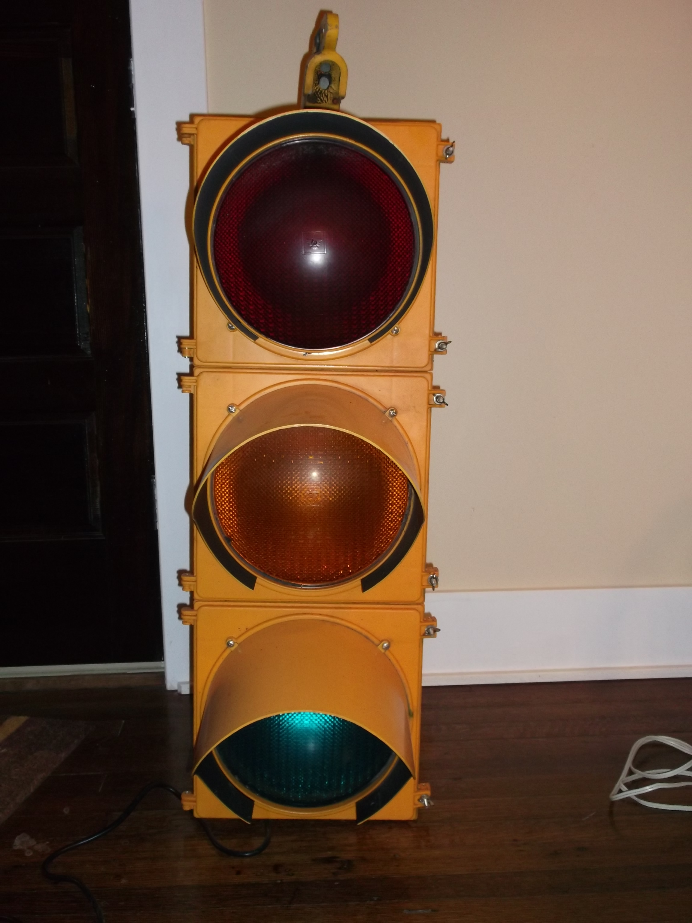 Traffic Signal / Stop Light Wiring with Arduino Controller