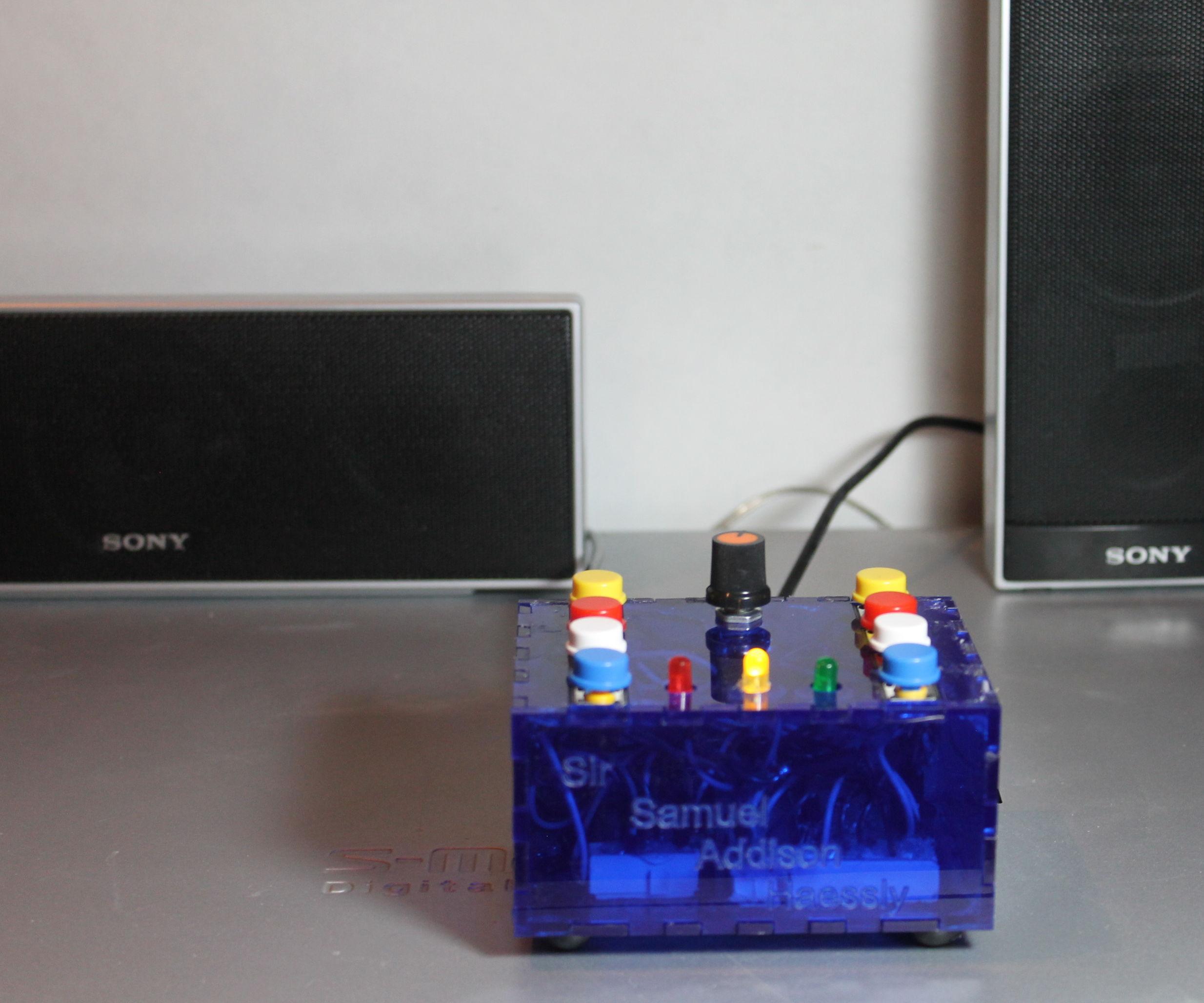 Portable MP3 AUX Music Box