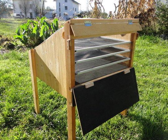 Solar dryer box