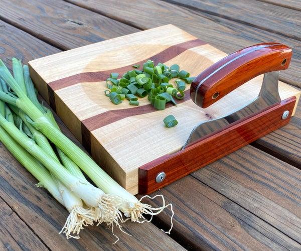 如何用旧锯片加上额外的切菜板制作乌鲁刀
