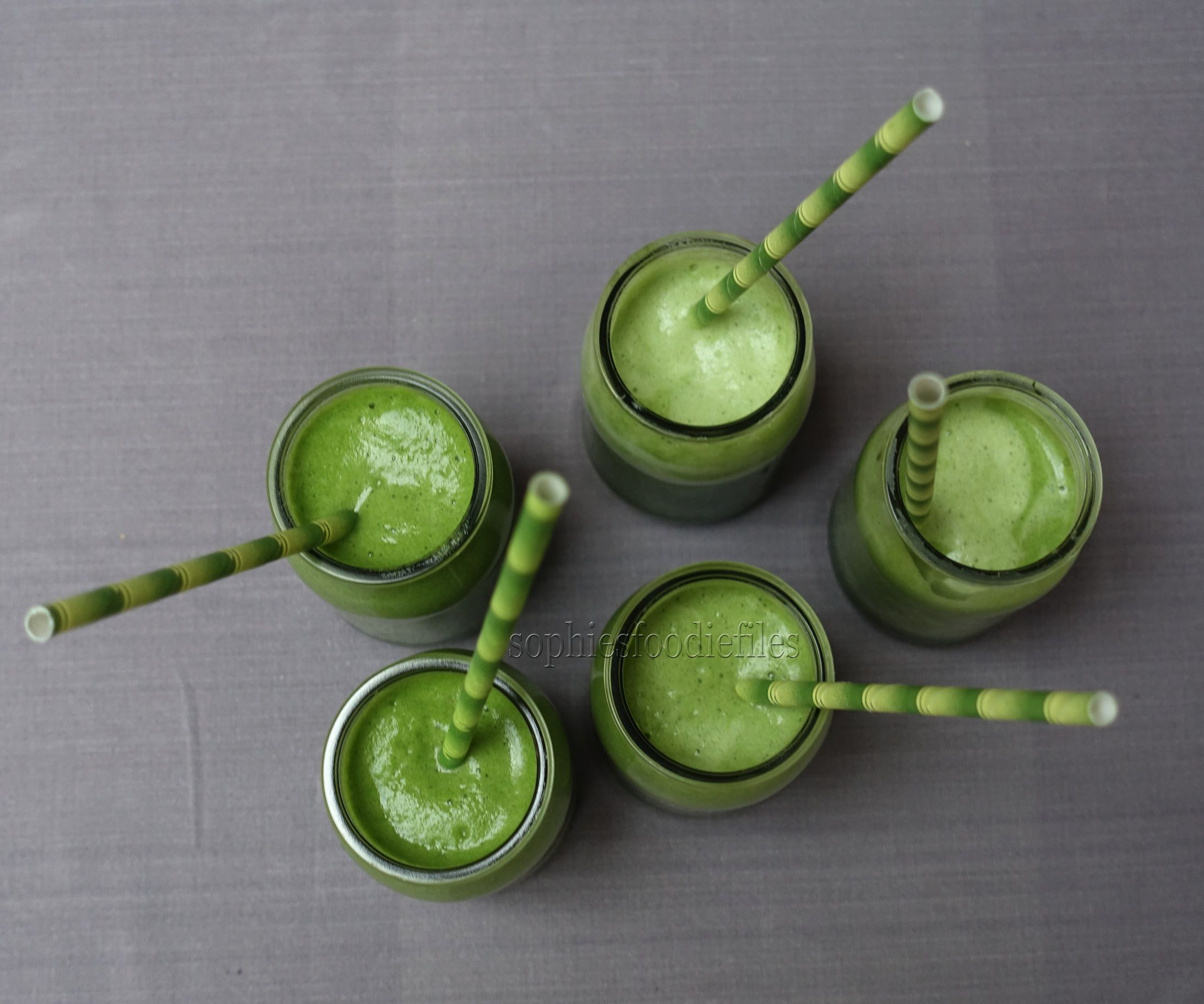 4-ingredient Green Smoothies
